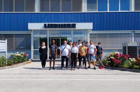 (Бг) Либхер България посреща ученици от Професионалната гимназия по промишлени технологии в производствената си база